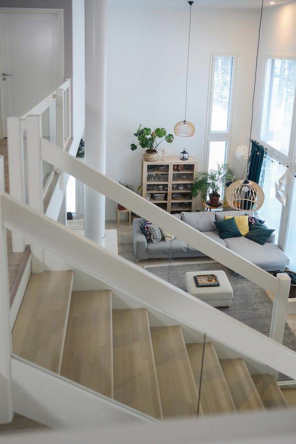 Timber-lasikaide nykyaikaisessa kodissa.